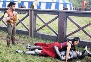"""5 reasons you should watch ABC's medieval musical comedy, Galavant"""